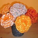 Rosendekoration aus Wolle
